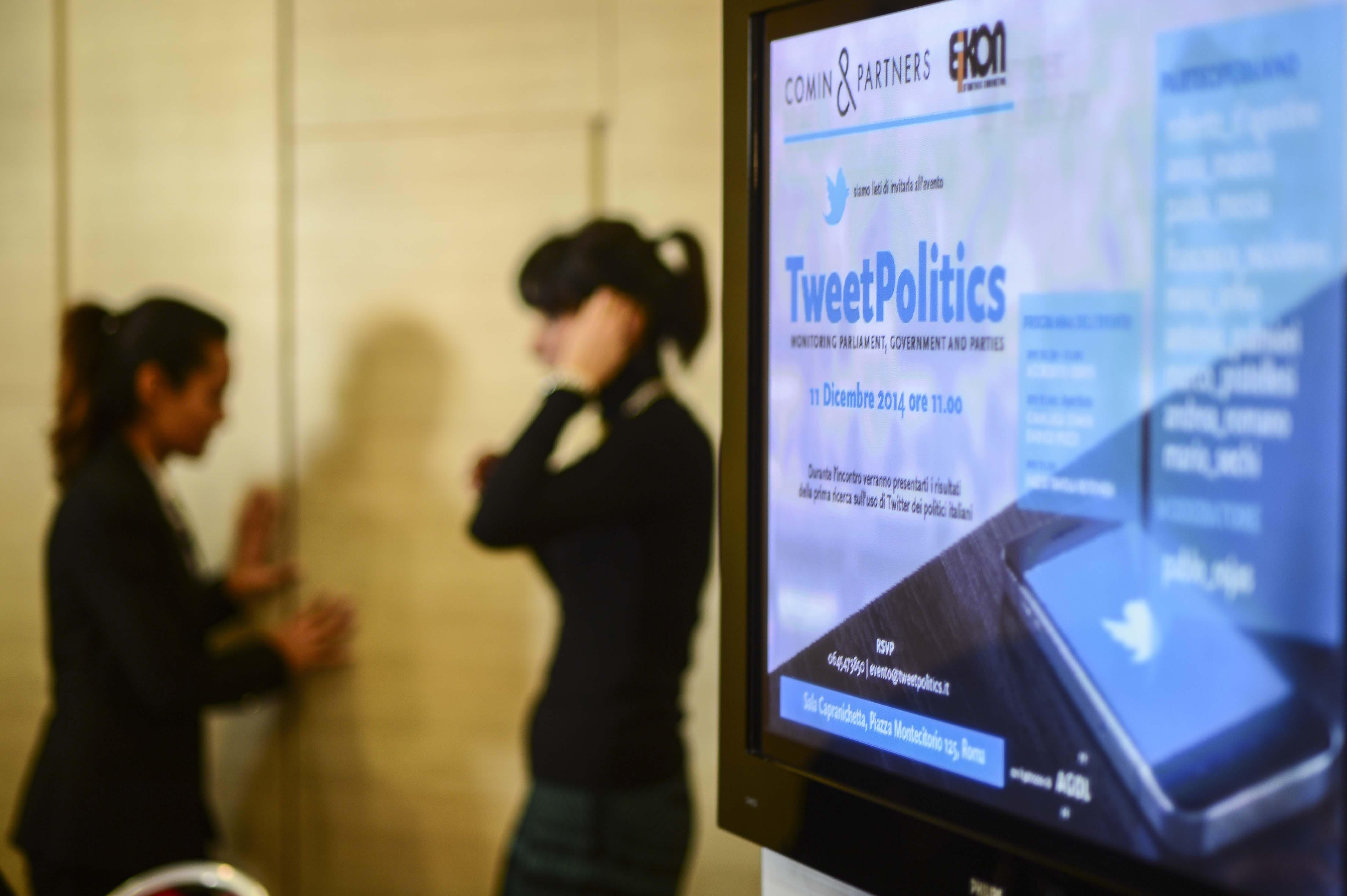 Tweetpolitics come usano twitter i politici italiani for Nomi politici italiani