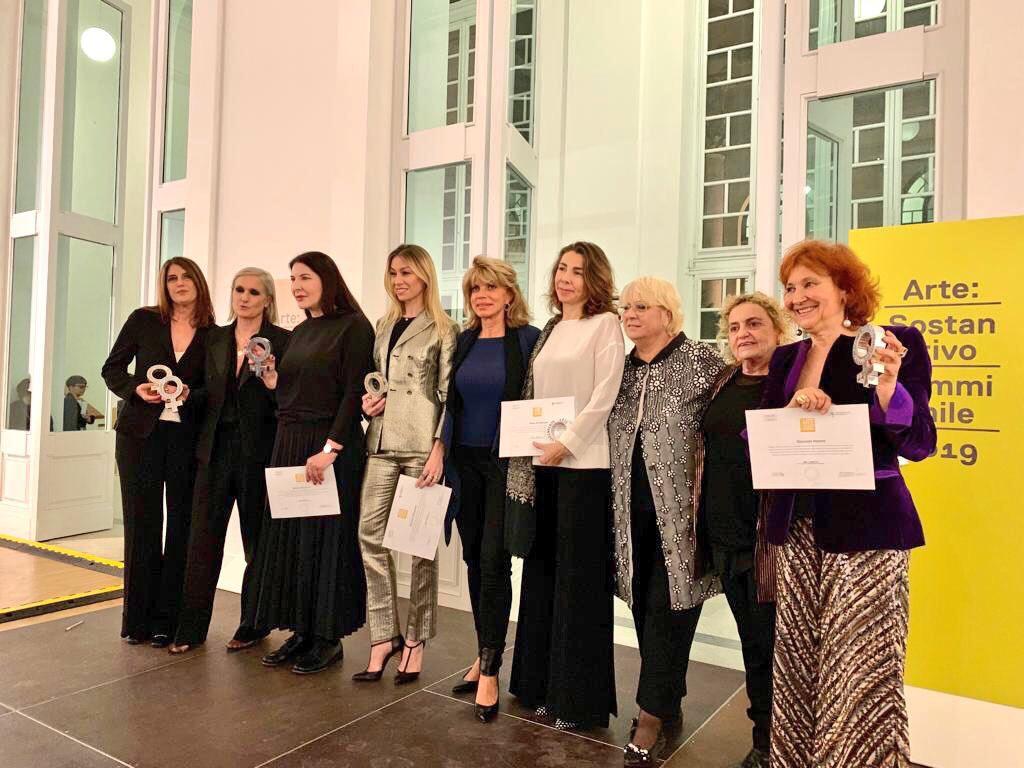 """Elena Di Giovanni Riceve Il Premio """"Arte: Sostantivo Femminile"""" Per L'impegno Nella Promozione Culturale"""