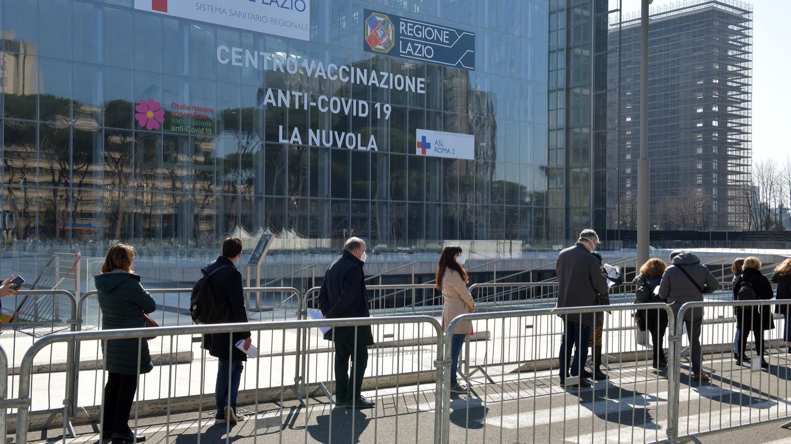 Scenario Italia: Stretta Su Vaccini E Misure Anti-covid, Il Governo Punta A Riaprire Del Tutto Le Scuole