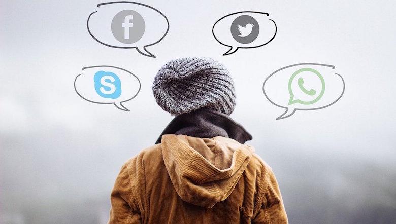 Svolta Digitale Della Carta E Nuovi Ruoli Dei Social: Le News Cambiano